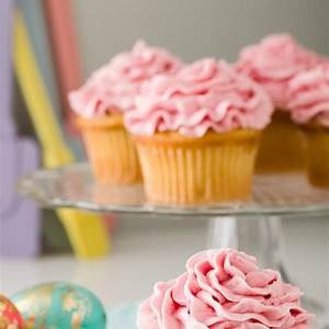 raspberry-buttercream-cupcake-project image