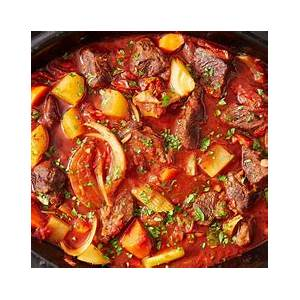 slow-cooker-red-wine-beef-stew-recipes-party-food image