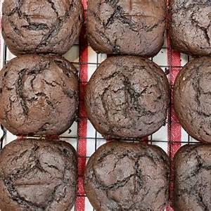 easy-homemade-maraschino-cherry-cupcakes image