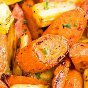 easy-roasted-air-fryer-carrots-plated-cravings image