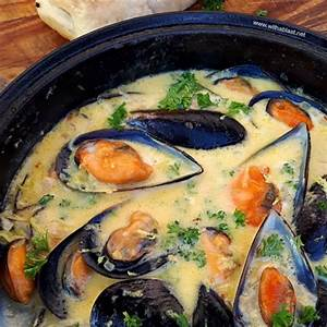 mussels-in-lemon-garlic-butter-sauce-with-a-blast image