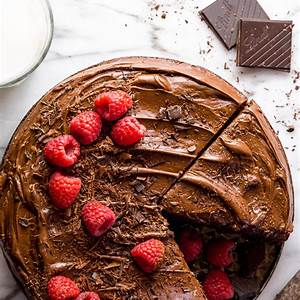 easy-single-layer-chocolate-cake-baker-by-nature image