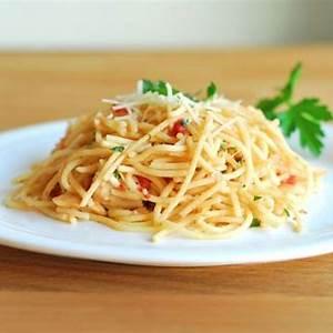 chicken-pasta-with-garlic-gravy-a-ducks-oven image