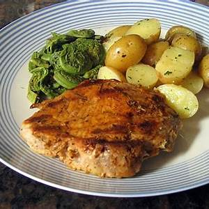 easy-pan-grilled-pork-chops-with-spicy-rub image