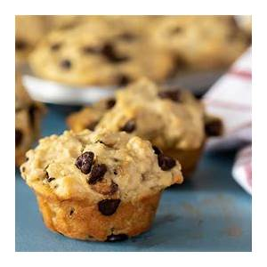 chocolate-chip-leftover-oatmeal-muffins-recipe-the-black image