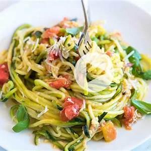 guilt-free-garlic-parmesan-zucchini-noodles-pasta image