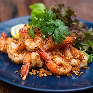 easy-stir-fried-thai-garlic-shrimp image