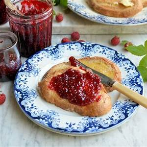 the-alchemy-of-fruit-sugar-one-punnet-raspberry-jam image