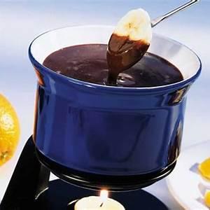 chocolate-fondue-canadian-goodness image