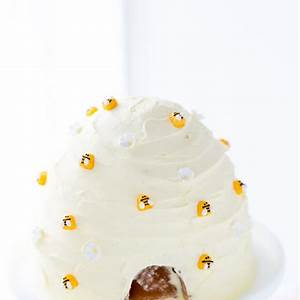 lemon-honey-beehive-cake-a-classic-twist image
