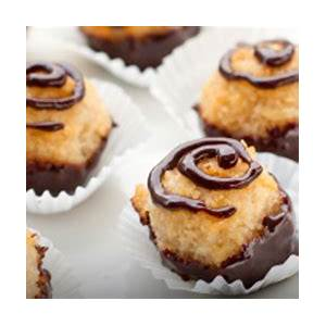 12-macaroon-recipes-made-with-honey-sioux-honey image