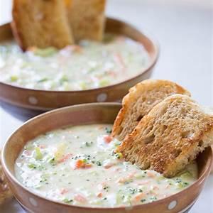 homemade-creamy-and-cheesy-broccoli-soup image
