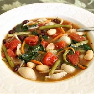 vegetable-garden-minestrone-soup image