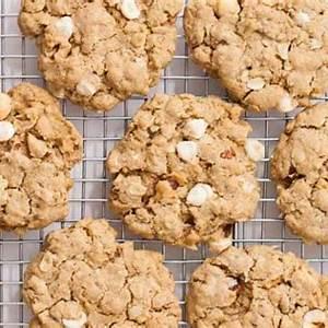white-chocolate-hazelnut-oatmeal-cooky image