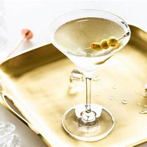 the-best-dirty-martini-recipe-with-olive-juice-tips image