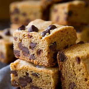 soft-chewy-chocolate-chip-cookie-bars-sallys-baking image