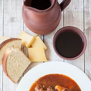 azores-beef-stew-with-potatoes-molha-de-carne-photos image