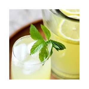 genuine-fresh-lemonade-recipe-with-honey-cathys image