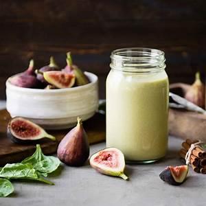 vegan-fig-smoothie-that-tastes-like-pudding-the-blender-girl image