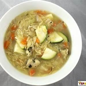 chicken-zucchini-orzo-soup-yeprecipescom image
