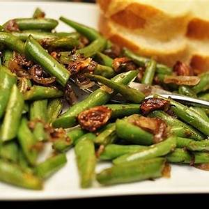 green-beans-with-shallots-recipe-uncut image