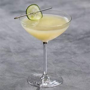 cucumber-gimlet-cocktail-recipe-liquorcom image