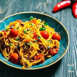 spaghetti-alla-puttanesca-pinch-of-nom image