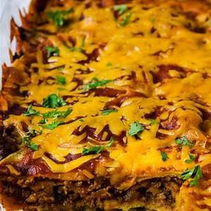 easy-ground-beef-enchilada-casserole-moms-dinner image