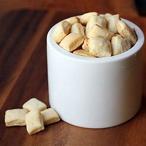 diy-oyster-crackers-recipe-serious-eats image