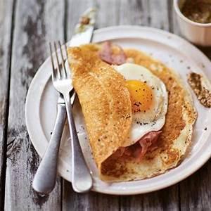 thin-pancakes-recipe-leites-culinaria image