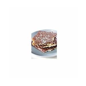 homemade-toffee-chocolate-matzah-passover image