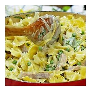 15-minute-creamy-pasta-with-ham-and-peas image