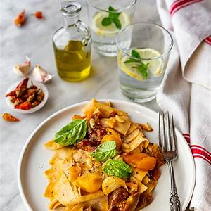 burst-cherry-tomato-sauce-for-pasta-summer-2018-edition image