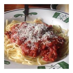 review-olive-gardens-spaghetti-with-meat-sauce-youtube image