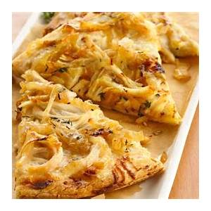 white-chicken-pizza-with-caramelized-sweet-onions image