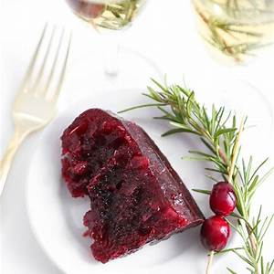champagne-cranberry-sauce-mold-sprinkle-bakes image