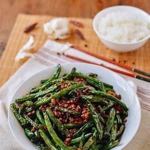 gan-bian-si-ji-dou-sichuan-dry-fried-string-beans-the image