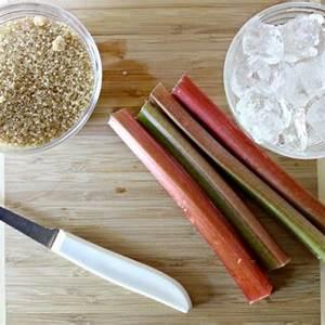 grandmas-iced-rhubarb-tea-recipe-with-fresh-rhubrb image