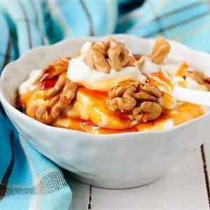 greek-yogurt-with-honey-and-walnuts-recipe-yiaourti-me image
