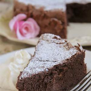easy-flourless-chocolate-torte-only-5 image