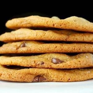 the-best-chewy-and-crispy-chocolate-chip-cookies image