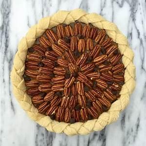 maple-dark-chocolate-pecan-pie-golden-barrel image