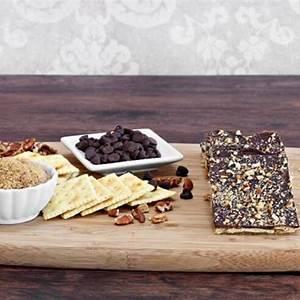 chocolate-saltine-crackers-recipe-cdkitchencom image