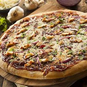 chicken-pizza-with-caramelised-red-onion-recipe-by-archana image