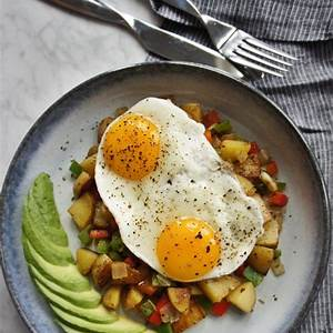healthy-breakfast-hash-the-greedy-belly-only-238-calories image