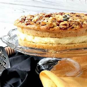 bee-sting-cake-bienenstich-recipe-kudos-kitchen-by-renee image