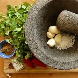recipe-spicy-moroccan-chermoula-sauce-integrative image