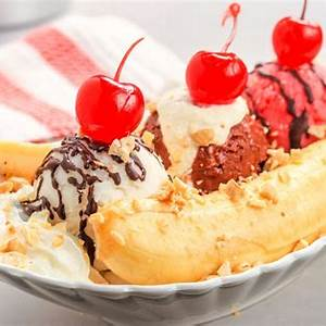 classic-banana-split-ice-cream-sundae image