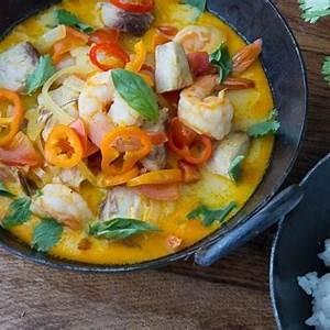 moqueca-brazilian-fish-stew-whats-gaby-cooking image