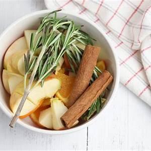 apple-cinnamon-potpourri-crock-pot image